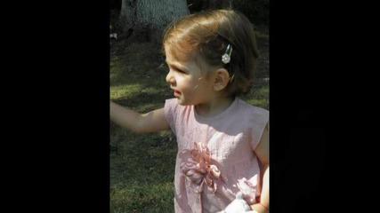 Виктория на 2 години