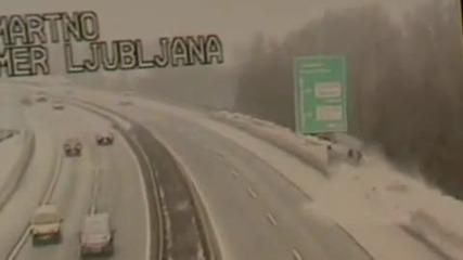 Катастрофа при снежни условия
