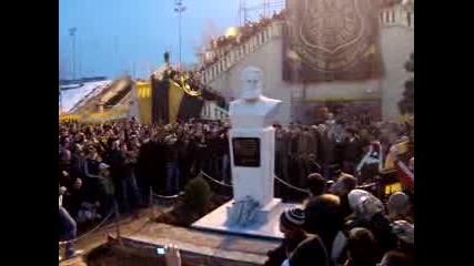 12.03.2010 Botev Plovdiv stava na 98godini.