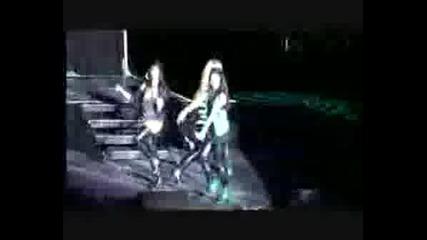 Vanessa Hudgens - Hook It Up (live)