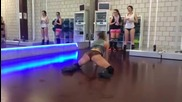 Секси чехкиня яко dance twerk