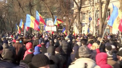 Moldova: Protesters demand snap polls rally in Chisinau