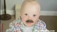 Песента на бебето с мустаци