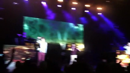 Фенки ще изядат Хари Стайлс на концерт на One Direction в Л.а.