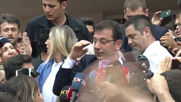 Turkey: Crowds flock as Istanbul mayoral candidate Imamoglu casts vote