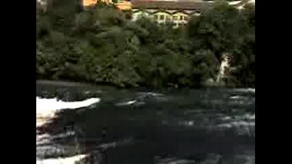 Водопадът Rheinfal 3