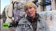 UK: Emma Thompson joins giant roaring bear to protest Shell Oil