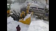 Как чистят сняг в Канада