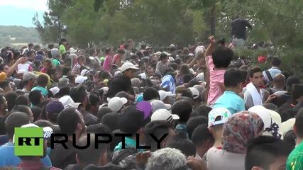 Greece: Macedonia opens Idomeni border crossing