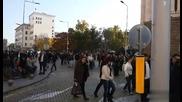 Протестиращи служители на МВР са пред Министерски съвет, движението е спряно