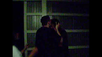 Секси страстна целувка