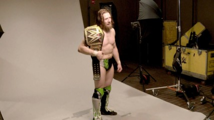 Daniel Bryan poses for his WWE Championship photoshoot: WWE.com Exclusive, Nov. 13, 2018