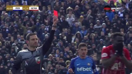 Заслужен ли е червеният картон за ЦСКА срещу Левски?