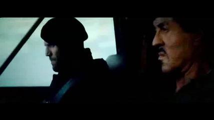Непобедимите 2 -барни Рос и екипът му влизат с самолета в деветашката пещера