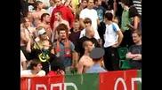 Фенове на Локомотив Москва наказват милицията