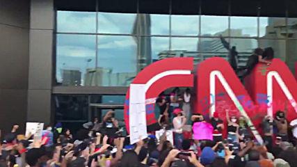 USA: CNN's Atlanta HQ attacked as crowds protests Floyd killing