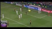 Страхотното двойно спасяване на вратарят на Селтик срещу Барса
