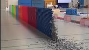 Световен рекорд на Гинес - Най-дълга стена на доминото