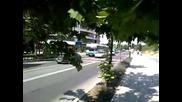 Автобус Слънчев Бряг - Несебър закъсва по средата на кръстовище !