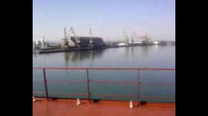 Пристанище Бургас - Обиране на хамбар със Захар