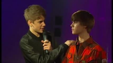 Justin Bieber и восъчния му близнак