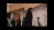 Монастырские стены. Отцы и дети. Свято - Успенский Псково - Печерский монастырь