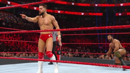 Finn Bálor vs. Bobby Lashley & Jinder Mahal - 1-on-2 Handicap Match: Raw, March 25, 2019