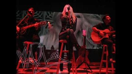Avril Lavigne - The Best Damn Tour (снимки)