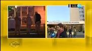 Приятелят на ранена в Париж: Получих сакото й с дупка от куршум