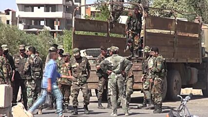 Syria: SAA forces open roads and clear debris in Daraa following truce deal