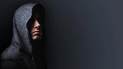 Eminem - Echo (ft.liz Rodriguez and Royce Da 5 9) (2010) (hq)