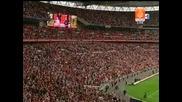 Манчестър Юнайтед с требъл след победа над Портсмут - Получаването на трофея