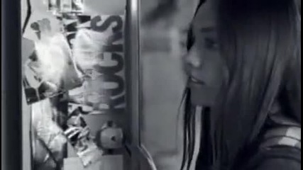 Превод!!! Hannah Montana - Ordinary Girl [ Official Music Video ]