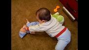 Зари храни бебе