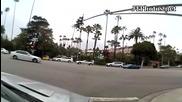 Ламборджини се блъска в палма в Бевърли Хилс