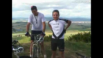 David Bisbal hizo el Camino de Santiago junto a Indurain, Olano y Heras - Dvd Buen Camino