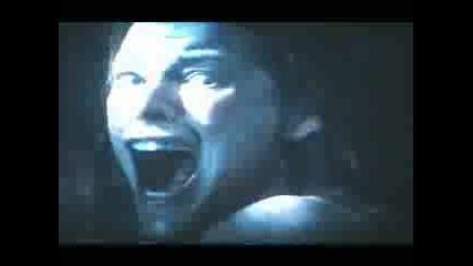 Заразно Зло (2002) Рейн Става Зомби