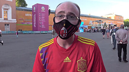 Russia: 'This is important and necessary' - Football fans on COVID restrictions in St Petersburg