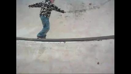 Невероятно! Четири годишен скейтър