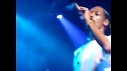 Snoop Dogg се напушва на концерт