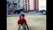 Сеирджии напиват 4 годишно дете