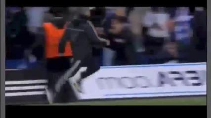 Ето как Моуриньо отпразнува победният гол на Демба Ба срещу Пари Сен Жермен