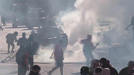 Chile: Violence clashes as protests enter second month