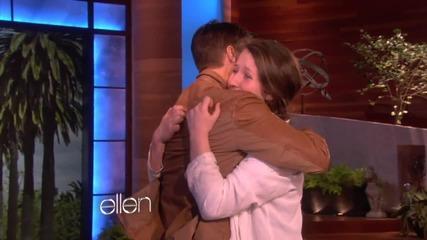Фенка пътува в кутия,за да види Джъстин Бийбър в шоуто на Ellen