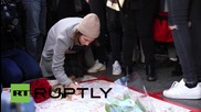 USA: Mourners honour victims of Paris attacks in Washington Square Park