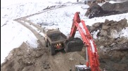 Hitachi Zaxis 470 Lch And Volvo A25d Working