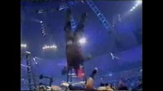 Wwe - Jeff Hardy Прави Swaton Bomb