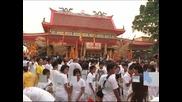 Фестивал на вегетарианството събра хиляди души в Тайланд