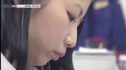 Момиче феноменално използва калкулатор Like a Boss !