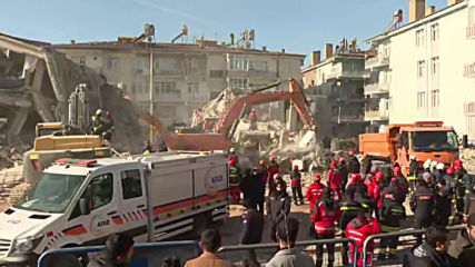 Turkey: Rescue teams search for quake survivors amid rubble of collapsed buildings